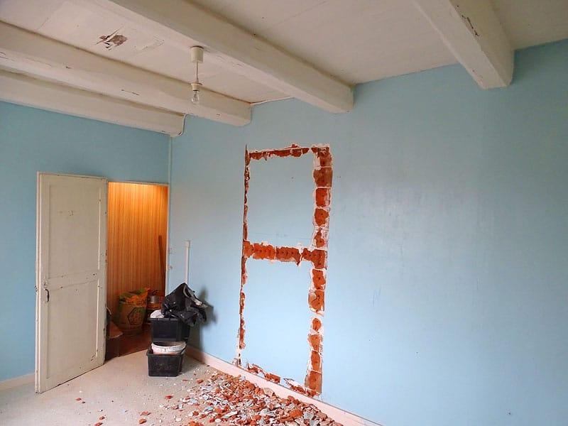 comment faire dans une cloison une ouverture pour une porte. Black Bedroom Furniture Sets. Home Design Ideas