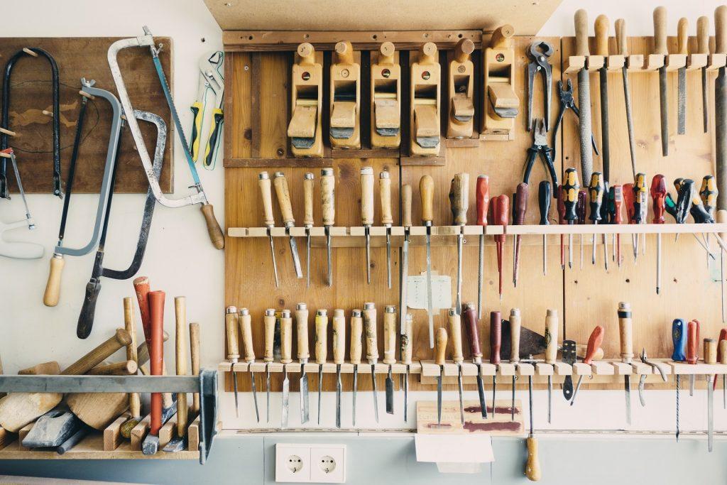 Atelier avec outils de bricolage